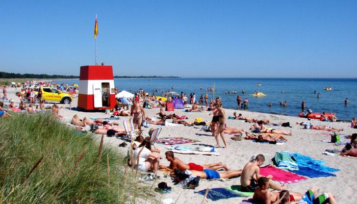 Marielyst strand, badedende gæster